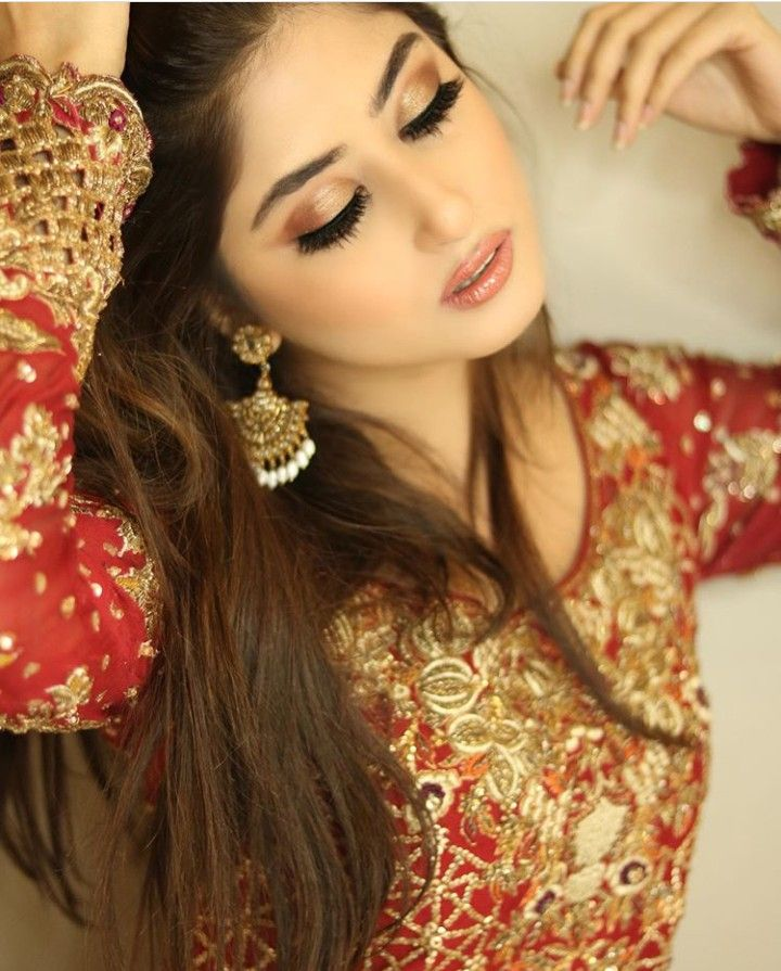 Sajal Ali is a Pakistani actress & model Beautifull pictures