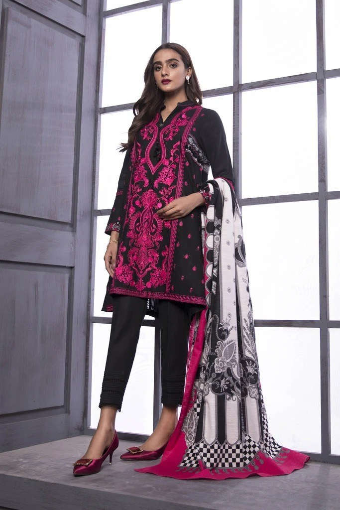 Sapphire Annual Winter Sale Upto 50% Off For Online Shopping