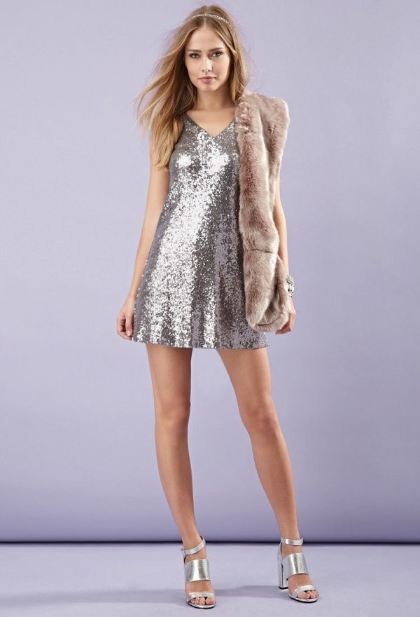 Latest Silver Style Choices Looks Outfits 21-22 Women Wear