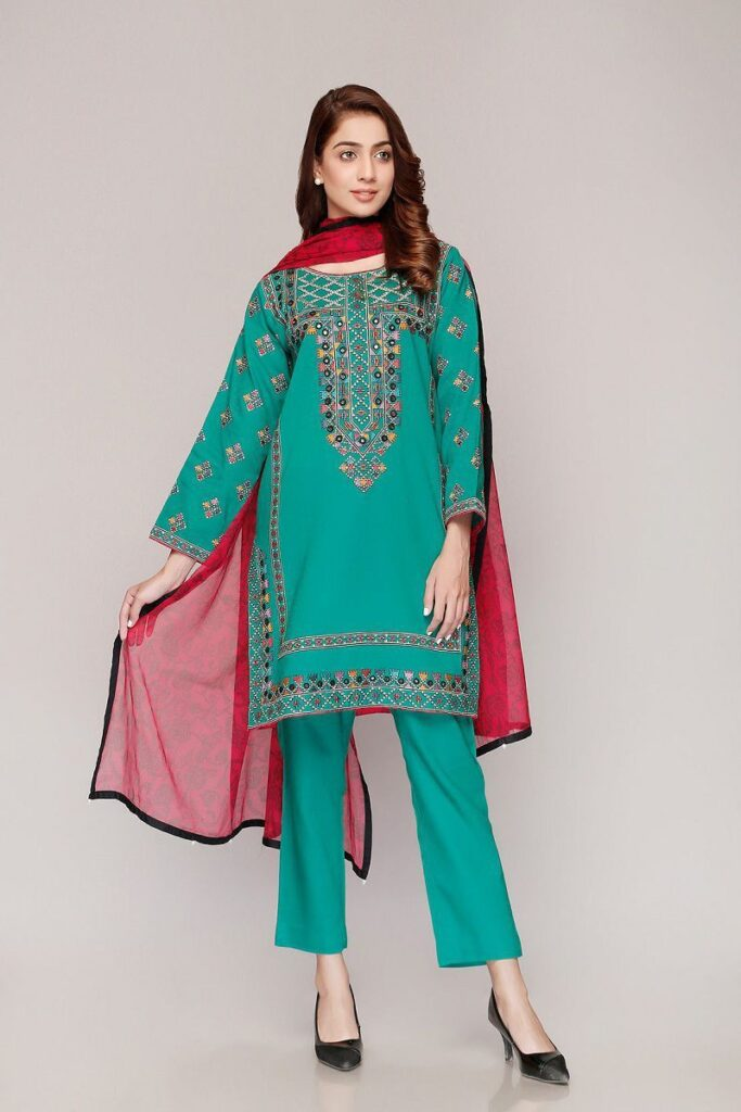 Stunning Looks Chinyere Lawn Outfits Summer Collection 2021