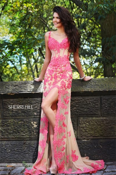 Latest Style Luxury Prom Outfits Fashion for Teen Girls 2022